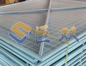 低碳钢爬架网安装